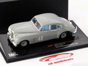 Stirling Moss Jaguar MKVII #40 Ganador Silverstone Touring Car 1953 1:43 Ixo