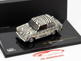 Trabant 601 Safari jaar 1970 zwart / wit 1:43 Ixo