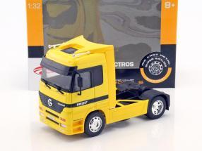Mercedes-Benz Actros 4x2 amarillo 1:32 Welly