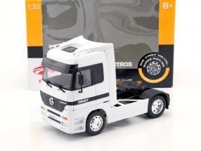 Mercedes-Benz Actros 4x2 blanc 1:32 Welly