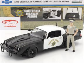 Chevrolet Camaro Z28 Highway Patrol year 1979 black / white with figure police officer 1:18 Greenlight