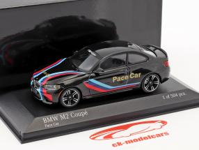 BMW M2 Coupe Pace Car Baujahr 2016 schwarz / blau / rot 1:43 Minichamps