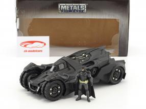 Batmobile Arkham Knight (2015) com figura Batman preto 1:24 Jada Toys