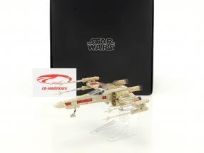 X-Wing Starfighter Red Five Star Wars episode IV A New Hope (1977) silver / red HotWheels Elite