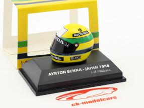 Ayrton Senna McLaren MP4/4 World Champion Japan GP F1 1988 helmet 1:8 Minichamps