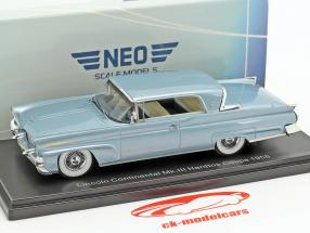 Lincoln Continental Mk. III Hardtop Coupe Baujahr 1958 hellblau metallic 1:43 Neo