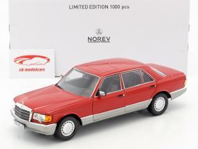 Mercedes-Benz 560 SEL W126 Bouwjaar 1987 rood 1:18 Norev