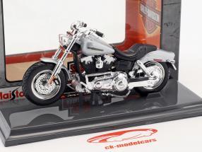 Harley-Davidson FXDFSE CVO Fat Bob Baujahr 2009 silber / schwarz 1:18 Maisto