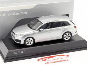 Audi Q7 Año 2015 papel de aluminio plata 1:43 Spark