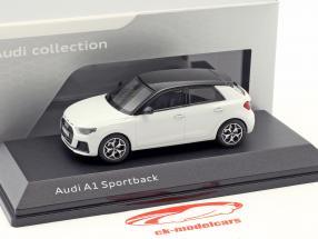 Audi A1 Sportback GB ano de construção 2018 geleira branco 1:43 iScale
