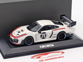 Porsche 935 #70 2018 (based on 911 (991.2) GT2 RS) 1:43 Minichamps