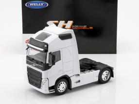 Volvo FH (4x2) Tractor year 2016 white 1:32 Welly