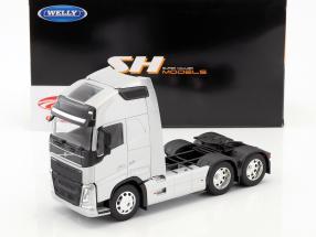 Volvo FH (6x4) trekker Bouwjaar 2016 zilver metalen 1:32 Welly