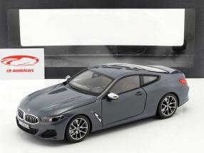 BMW 8 Series coupe año de construcción 2019 Barcelona azul metálico 1:18 Norev