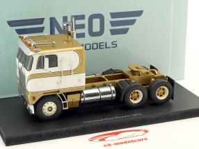 Diamond Reo Royale CO8864D Tractor year 1974 white / gold 1:43 Neo