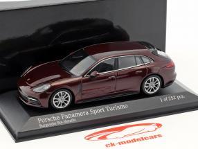Porsche Panamera 4S Diesel Sport Turismo Bouwjaar 2017 Burgundy rood metalen 1:43 Minichamps