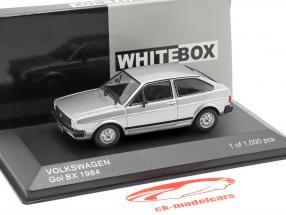 Volkswagen VW Gol BX Bouwjaar 1984 zilver metalen 1:43 WhiteBox