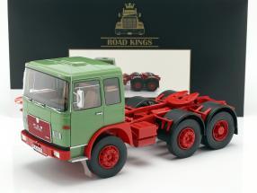 M.A.N. 16304 (F7) Sattelzugmaschine Baujahr 1972 grün / rot 1:18 Road Kings