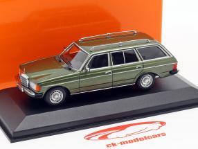 Mercedes-Benz 230 TE (W123) Bouwjaar 1982 groen metalen 1:43 Minichamps