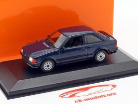 Ford Escort Bouwjaar 1981 donkerblauw 1:43 Minichamps