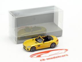 Mercedes-Benz AMG GT S Roadster ano de construção 2015 amarelo metálico 1:87 Minichamps