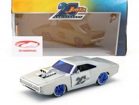Dodge Charger R/T année de construction 1970  argent 1:24 Jada Toys