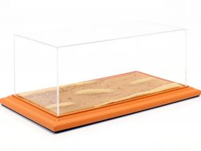 Hochwertige Acryl Vitrine mit Diorama-Bodenplatte Desert Road 1:18 Atlantic