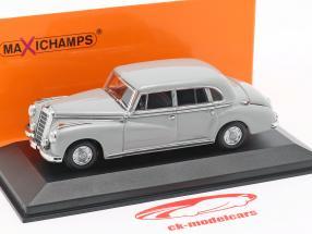 Mercedes-Benz 300 (W186) Opførselsår 1951 lysegrå 1:43 Minichamps