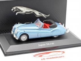 Jaguar XK140 Roadster Baujahr 1957 hellblau metallic 1:43 Atlas