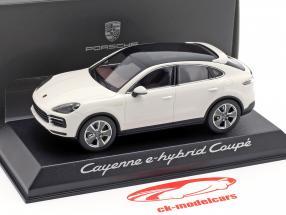 Porsche Cayenne e-hybrid Coupe Baujahr 2019 weiß 1:43 Norev