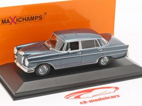 Mercedes-Benz 300 W112 SE lang anno di costruzione 1963 blu metallico 1:43 Minichamps