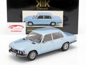 BMW 3.0S E3 serie 2 anno di costruzione 1971 azzurro 1:18 KK-Scale