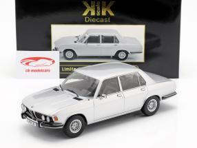 BMW 3.0S E3 série 2 ano de construção 1971 prata 1:18 KK-Scale