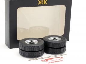 llantas y neumático Set con eje gris 1:18 Road Kings
