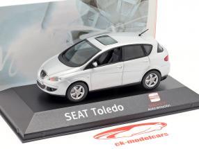 Seat Toledo gris plata metálico 1:43 Seat