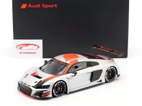 Audi R8 LMS ano de construção 2019 prata 1:18 Spark