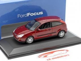 Ford Focus 3 portes rouge métallique 1:43 Minichamps