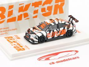 Audi RS3 LMS #74 DPLS Special Edition branco / preto / laranja 1:64 Tarmac Works