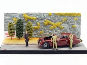 Diorama Road Service Alfa Romeo 8C 2900B 1938 buio rosso Con vetrina 1:18 CMC