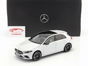 Mercedes-Benz A-Class (W177) año de construcción 2018 digital blanco metálico 1:18 Norev