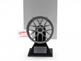 Porsche 911 GT3 RS 2020 Magnesium-Felge 21 inch satin platinum 1:5 Minichamps