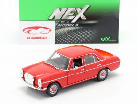 Mercedes-Benz 220/8 (W115) vermelho 1:24 Welly