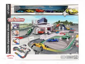 Porsche Experience Center mit 5 Fahrzeugen 1:64 Majorette