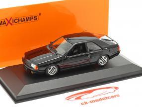 Renault Fuego Bouwjaar 1984 zwart 1:43 Minichamps