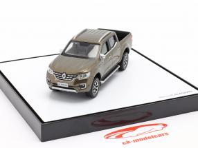 Renault Alaskan Bouwjaar 2017 bruin metalen 1:43 Norev