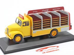 Ebro B-45 Vrachtwagen Coca-Cola Bouwjaar 1962 geel / rood 1:43 Altaya
