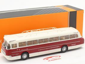 Ikarus 66 autobus Anno di costruzione 1972 bianca / buio rosso 1:43 Ixo