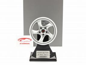Porsche 911 (993) Turbo 1995 roda borda 18 inch prata 1:5 Minichamps