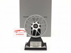 Porsche 911 (997 II) Turbo 2010 borde 19 inch plata 1:5 Minichamps