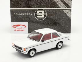 Opel Kadett C2 ano 1977 branco 1:18 Triple9